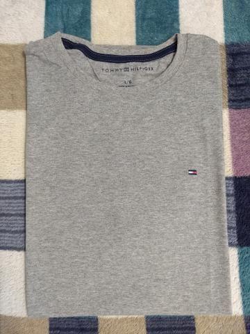 Camiseta TH bordado - Foto 3