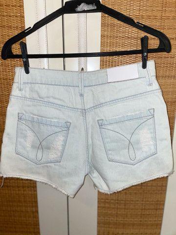 Short Jeans Calvin Klein (nunca usado) - Foto 2