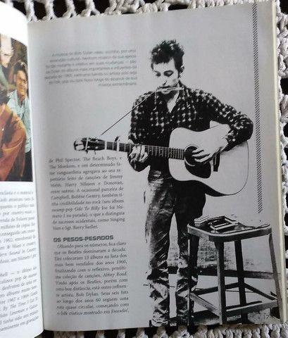 Livro TOP 100 Albuns de Sucessos dos Anos 60 - Foto 4