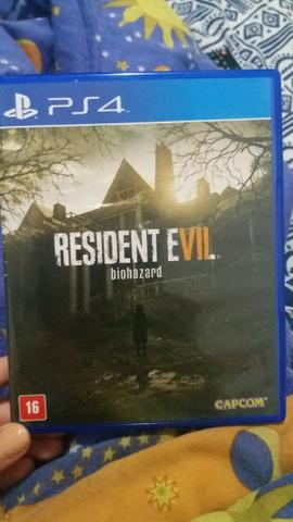 Jogo PS4 - Resident Evil Biohazard