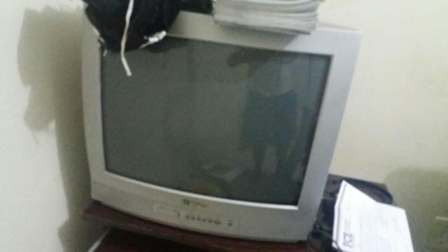 TV (sem controle)