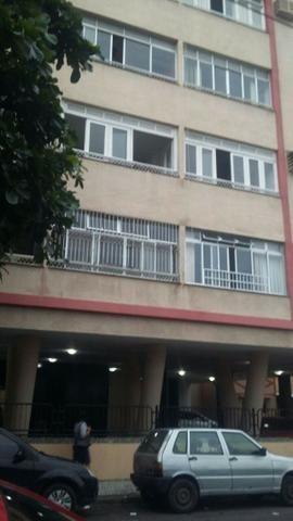 Apartamento 3 + 1. 6° andar. Ed. José de Alencar