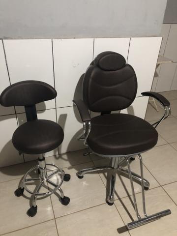 Cadeira de maquiador e cabeleireiro com mocho - Foto 2