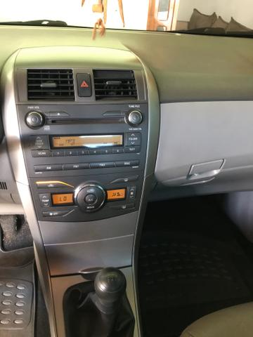 Vendo Corolla GLi manual ano 2010 - Foto 3