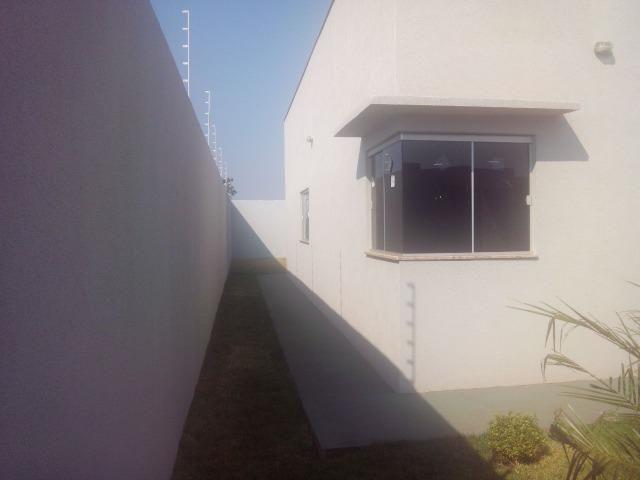 Linda Casa Rica no blindex Vila Nasser com quintal amplo - Foto 18