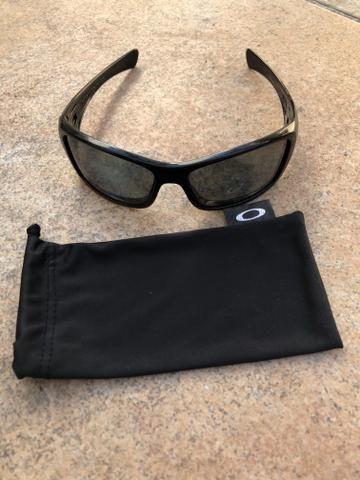 915ab6076426e Óculos de sol Oakley - Bijouterias