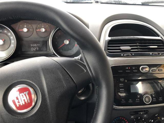 Fiat Punto 1.6 Essence 2013 - Foto 14