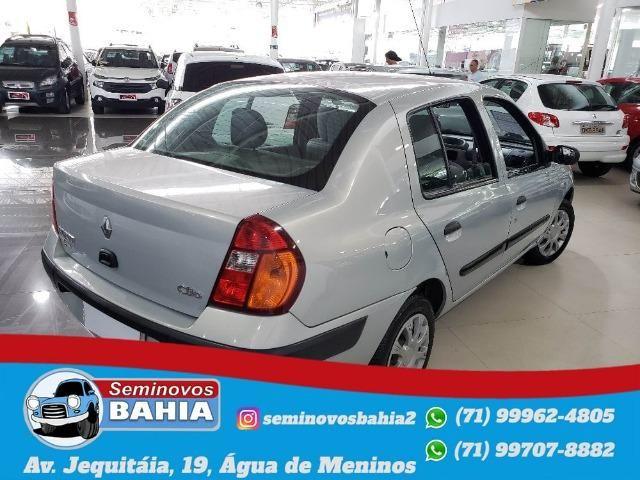 Renault Clio Sedan Authentique 1.0 Manual Gasolina 2004 - Foto 4