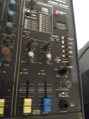 Mesa de som 16 canais - usb