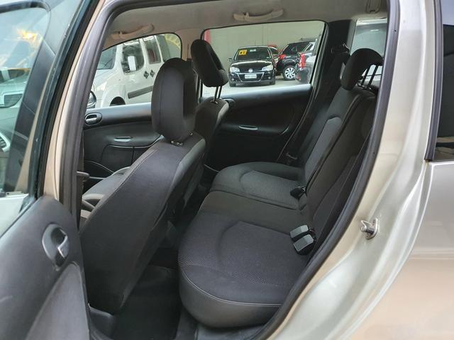 Peugeot 207 sw xs automática 2011 - Foto 12