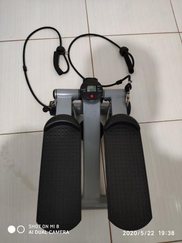 Vende-se Mini Stepper com elásticos extensores para exercícios