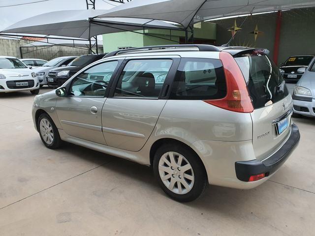 Peugeot 207 sw xs automática 2011 - Foto 6