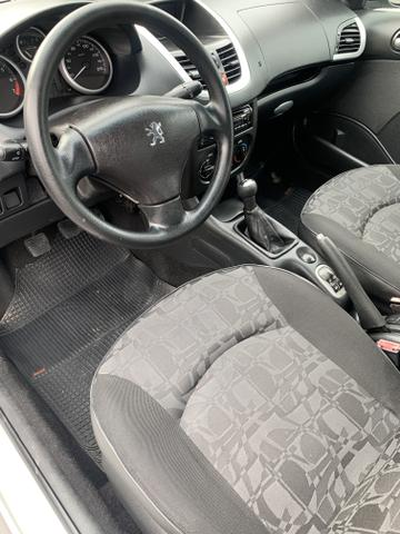 Peugeot 207 Completo 1.4 Flex 2011 impecável - Foto 13