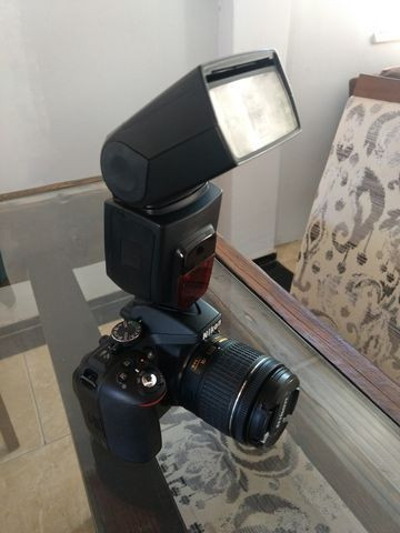 Câmera Nikon D5300 + Lente 18-55mm + Flash + Mochila + Radio flash - Foto 3