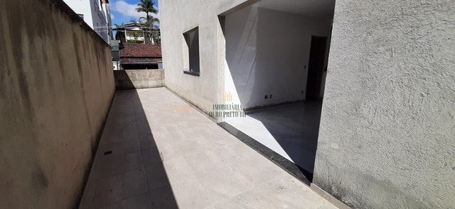 Apartamento com área privativa para venda no Bairro Serrano