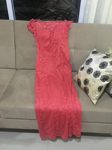 Vende 2 vestido de festa , usado apenas 1 vez