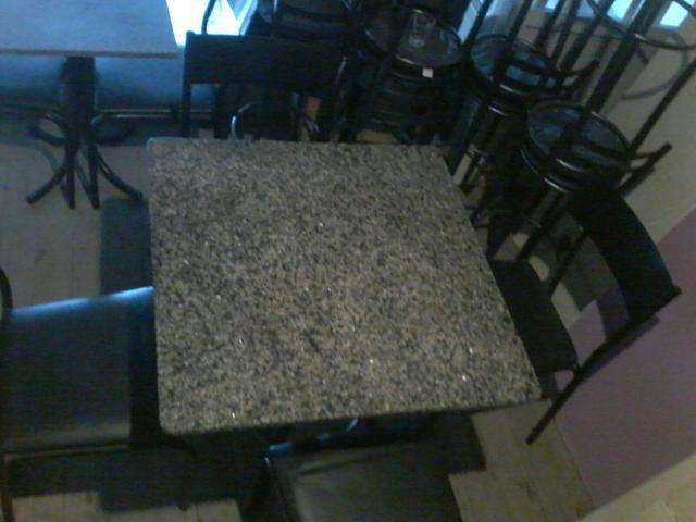 (Barbada) Conjunto de mesas e cadeiras 0,80cm x0,80cm