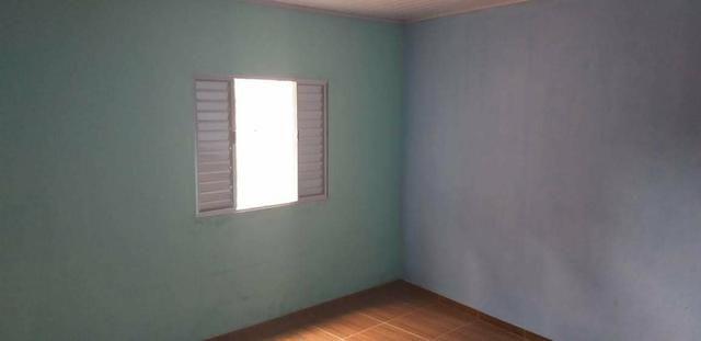 Casa 2 cômodos , banheiro e lavanderia muito bem arrumado - Foto 3