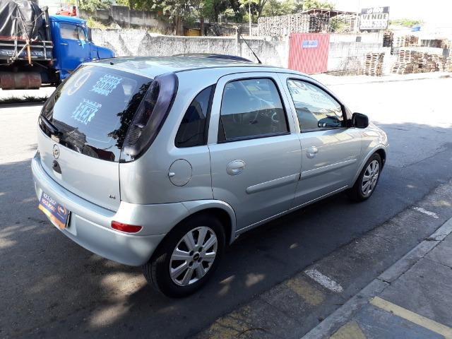 GM-Corsa Hatch 09 Premium 1.4 Flex, Troco e Financio - Foto 6