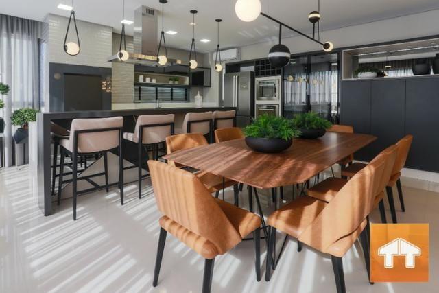 Apartamento Quadra Mar com 04 suítes - Mobiliado e decorado - Meia praia Itapema SC