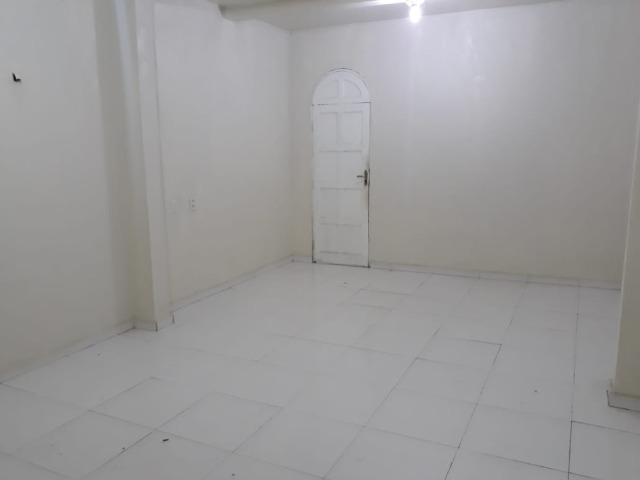 Alugo Casa no Parque 10 com 1 Quarto, Fica bem no Centro do Parque 10 - Foto 12