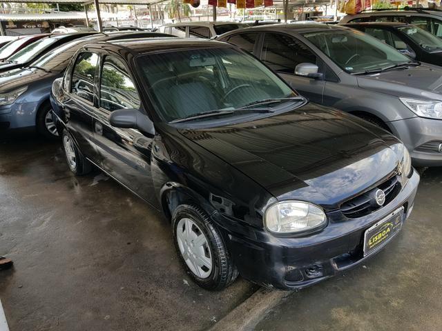 GM - Chevrolet Classic ano 2006 com Kit gas legalizado ate 2021 - Foto 2