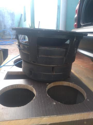 Vendo caixa com auto falante Katrina 12 polegadas 2700.rms reais - Foto 2
