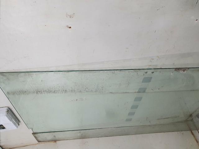 Vendo porta de vidro 2,20x1,00 - Foto 2