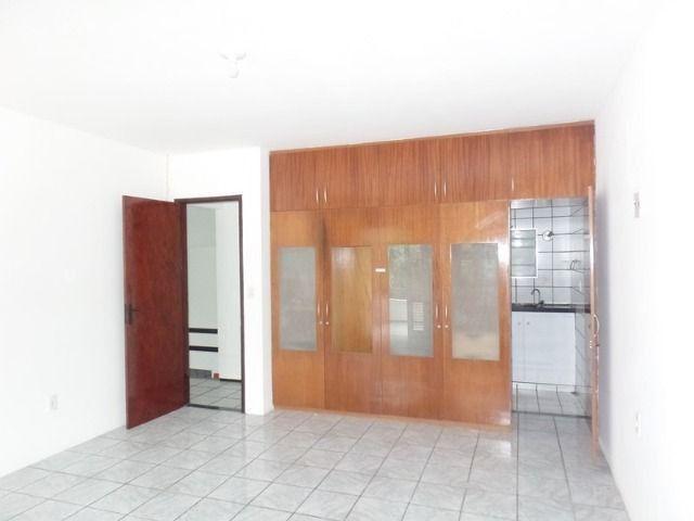 Casa duplex para locação no bairro cidades dos funcionarios, com piscina 4 suites - Foto 18