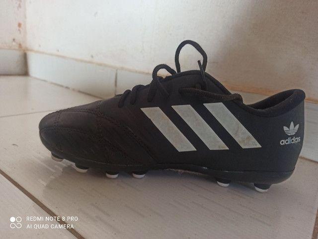 Chuteira Adidas semi-nova - Foto 3