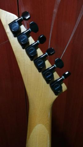 Guitarra Jackson ultra