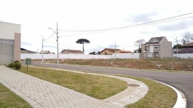 Terreno Barato em Maravilhoso Condomínio bairro Umbará! Oportunidade!