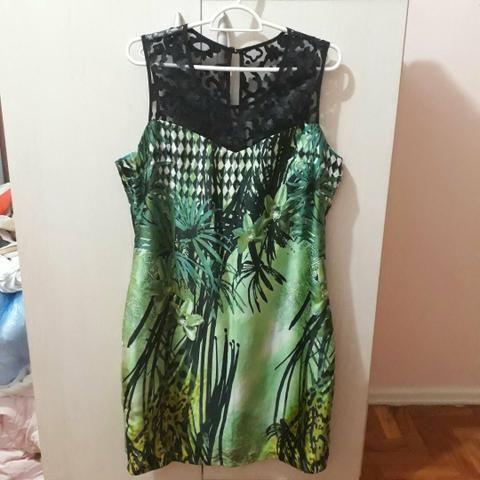 Vestido verde com renda