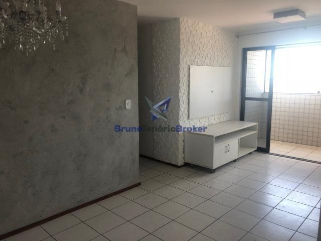 Apartamento à venda com ótima localização em Maceió