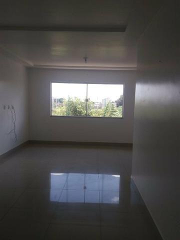 Alugo apartamento no Tomba próximo a praça - Foto 2