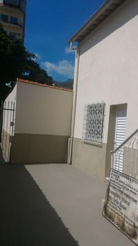Alugo casa reformada no Engenho Novo, sala, 03(três) quartos e dependências
