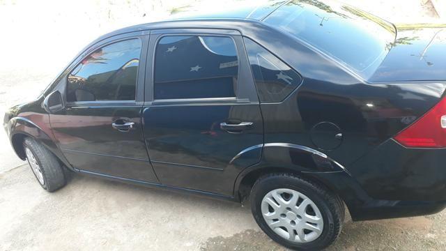 Fiesta sedan preto flex