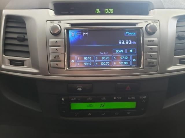 TOYOTA HILUX CD SRV 4X4 2.8 TDI DIESEL AUT. - Foto 12