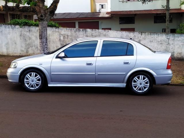 Astra GL Millenium 2001