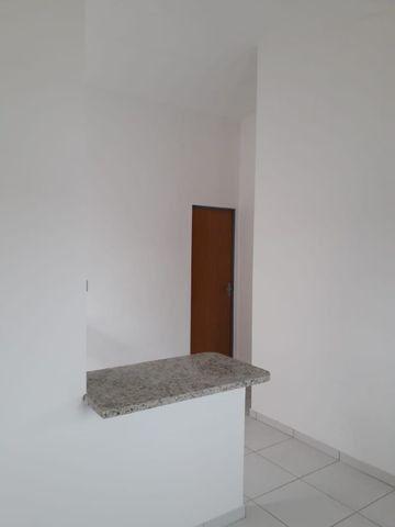 Vende-se ou troca-se por carro, uma casa nova recém construída em condomínio fechado - Foto 7