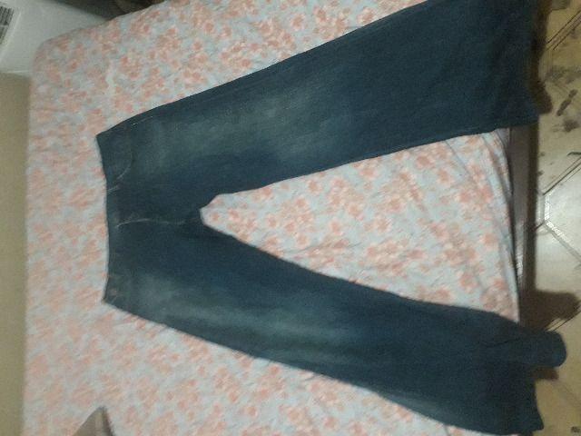 Lote de 2 lindas calças jeans, uma o tamanho é 50 e a outra 48 - Foto 4