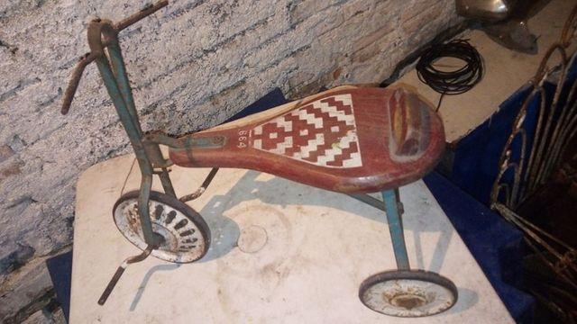 Triciclo antigo. decada 60 - Foto 3