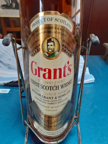 Whisky Scotch Grant's 3.75 litros