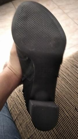 Vendo bota tamanho 37 - Foto 3