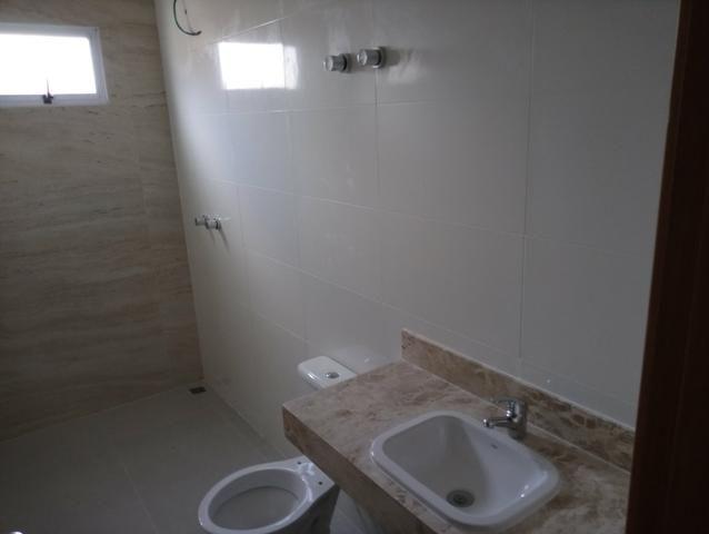 Casa nova 3 quartos sendo 1 suíte, porcelanato, prox a avenida t-63, financia - Foto 9