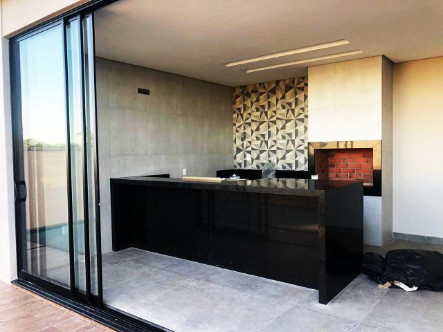 Casa no Condomínio Alphaville #suítes // área gourmet com piscina