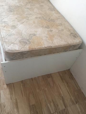Vendo cama com colchão - Foto 3