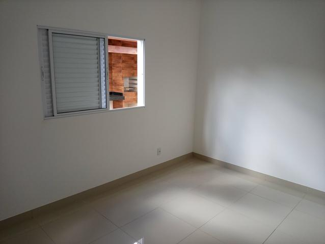 Casa nova 3 quartos sendo 1 suíte, porcelanato, prox a avenida t-63, financia - Foto 7