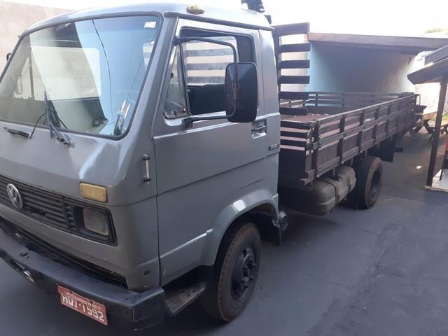 Caminhão vw 6.90 motor mwm 229