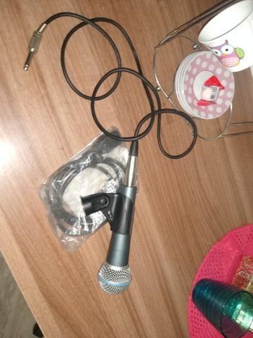 Vendo microfone shure 58 a novinho sem detalhes quem vê compra - Foto 4